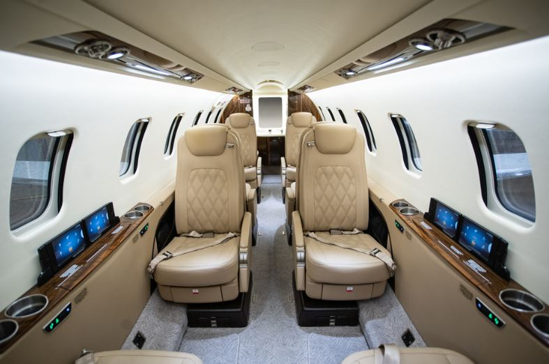 2017  Learjet Lear 75 full