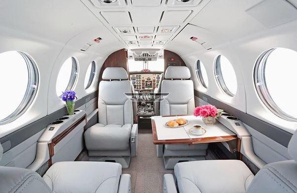 1996  Beechcraft King Air 350 full