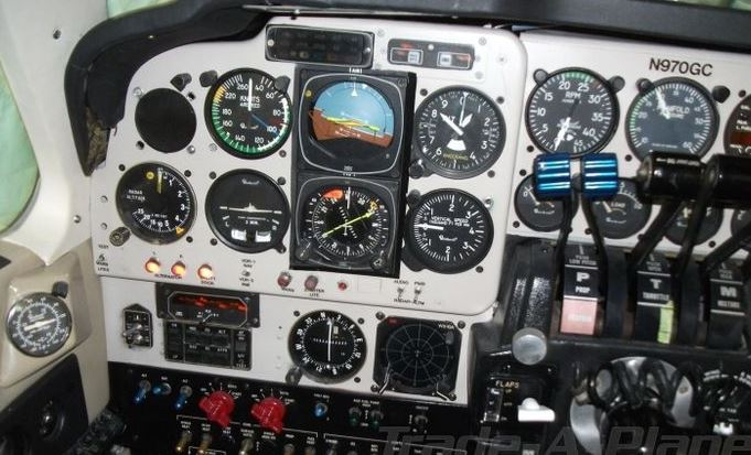 1982  Beechcraft Baron full