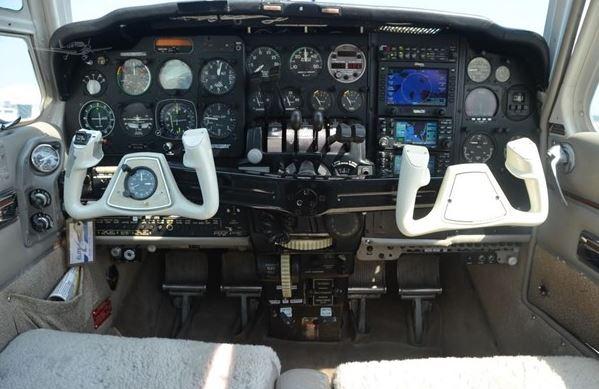 1968  Beechcraft Baron full
