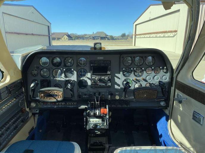 1974  Cessna 310 full