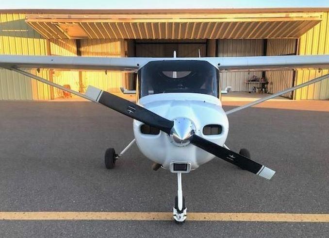 2011  Cessna 162 full