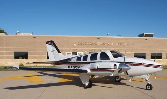 1981  Beechcraft Baron full