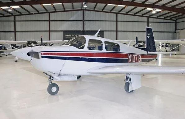 1989  Mooney M20J 201 full