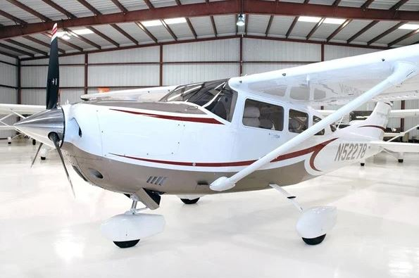 2009  Cessna 206 full