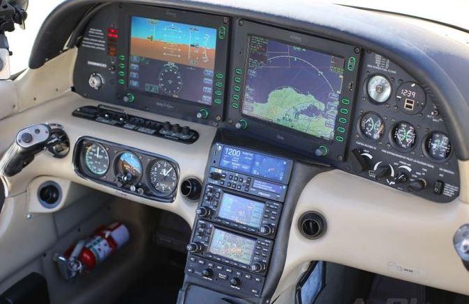 2004  Cirrus SR22 full