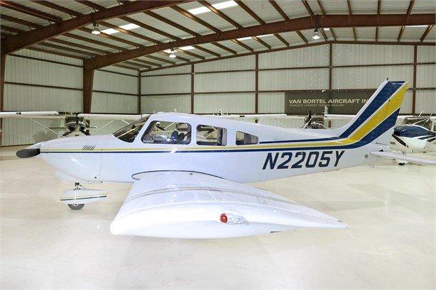 1979  Piper Cherokee Dakota full