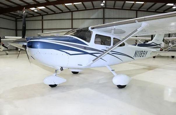 2007  Cessna 182 full
