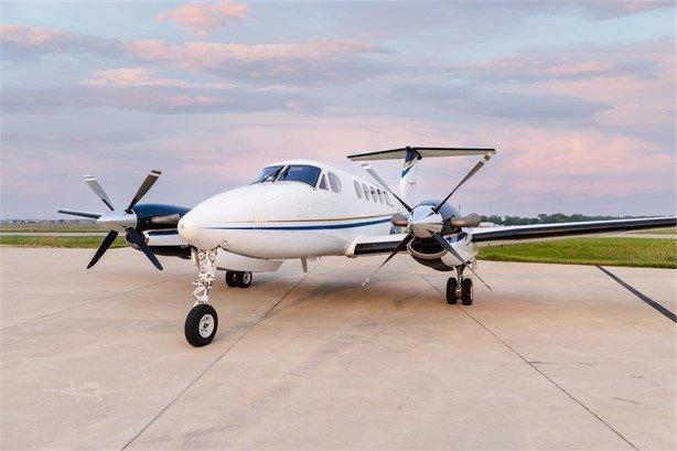1988  Beechcraft King Air 200 full
