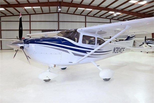 2005  Cessna 182 full