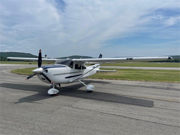 2003  Cessna 182 full